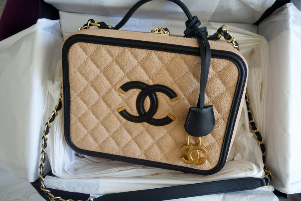f88ce717c4bb7c UNBOXING: Chanel Vanity Bag – The PINK MACARON