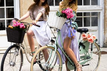 The PINK MACARON Biking in Style
